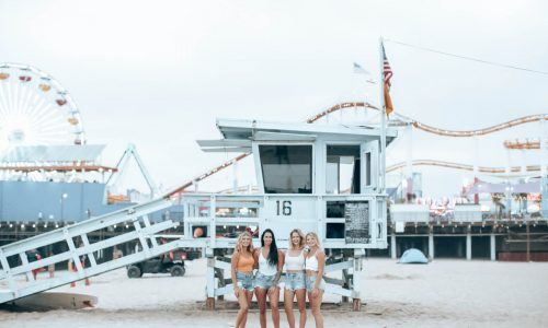 5 Tips & Ideas for Fun Friend Photoshoots