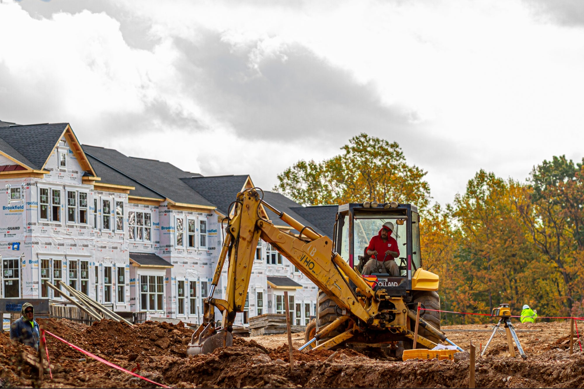 Homebuilder Confidence Drops to 13-Month Low on High Material Costs and Surging Home Prices