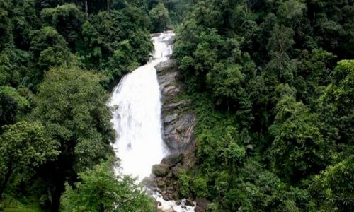 Waterfalls on the way to Munnar