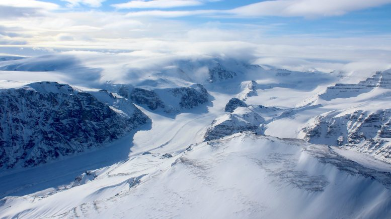 A Recent Reversal Discovered in the Response of Greenland's Ice Caps to Climate Change
