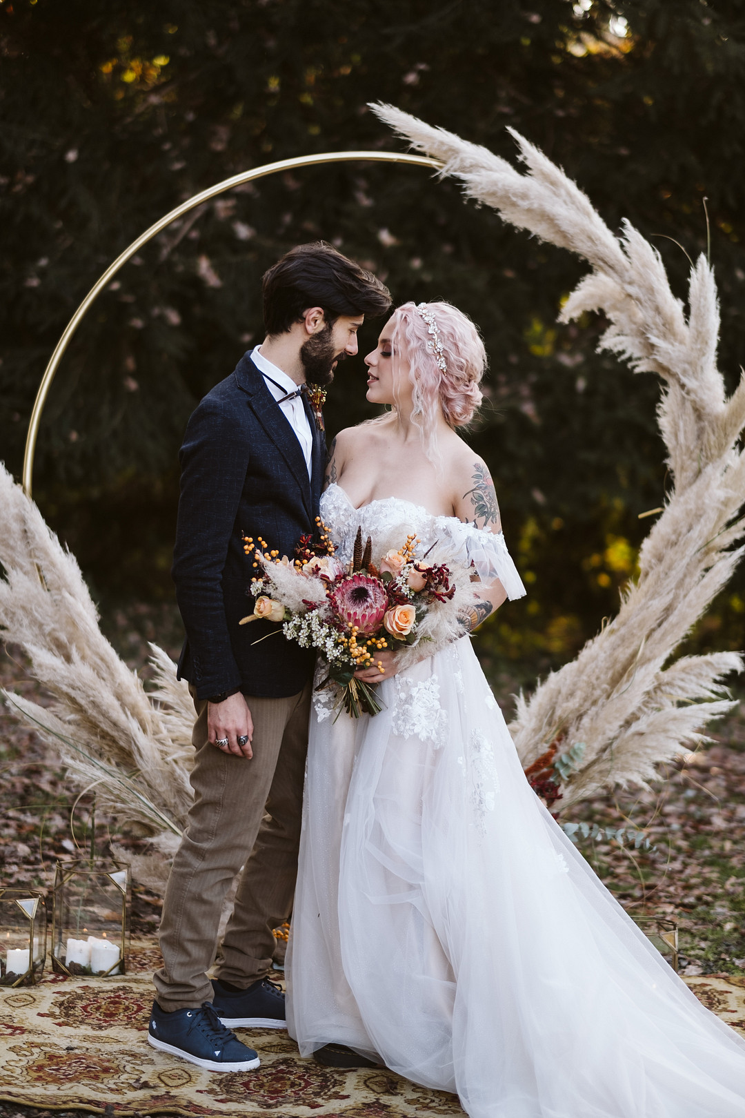 FALL WEDDING INSPO FOR THE ROCK & ROLL BRIDE