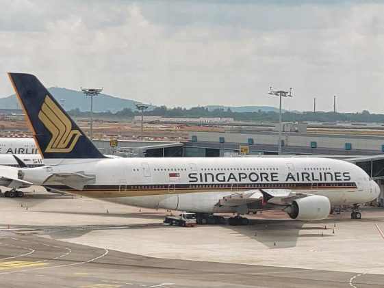 SIA share price (SGX: C6L) faces ambush from another cash call?