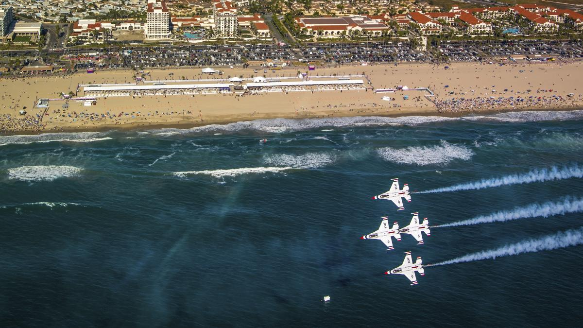 U.S. Air Force Thunderbirds Join The Pacific Airshow Lineup